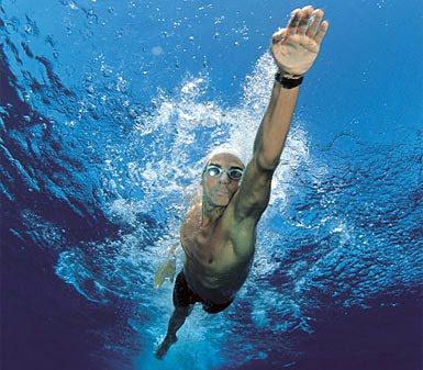 20100930202519-nadador.jpg