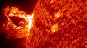 20121028203518-flamarada-solar.jpg