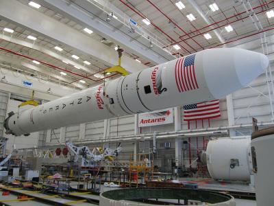 20141102191331-antares-rocket.jpg